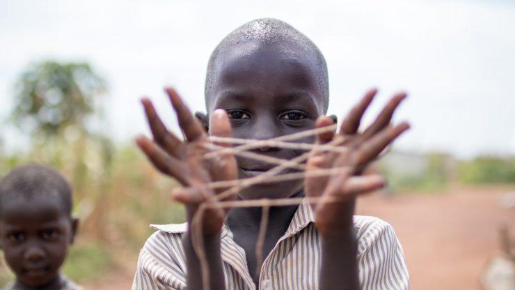 Bambini ed esperienza migratoria, riannodare i fili spezzati di vite preziose